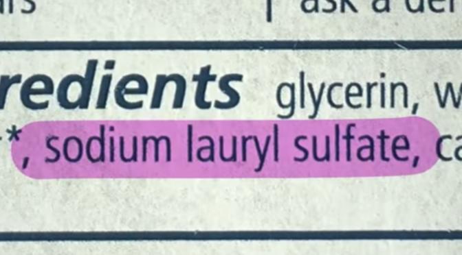 Sodium Lauryl Sulfate als Inhaltsstoffe auf Etikett